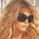 Джессика Симпсон в солнцезащитных очках Crome Hearts