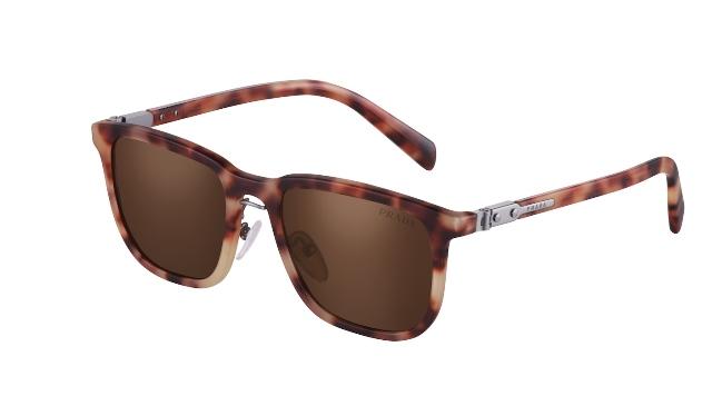 Новая коллекция солнцезащитных и оптических очков Prada ...